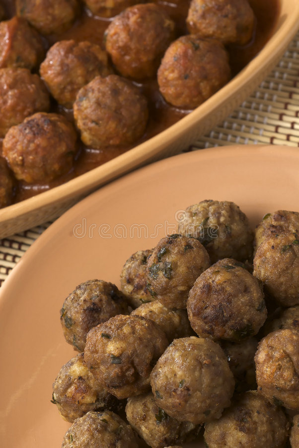 Download Meatballs стоковое фото. изображение насчитывающей лакомка - 6854330