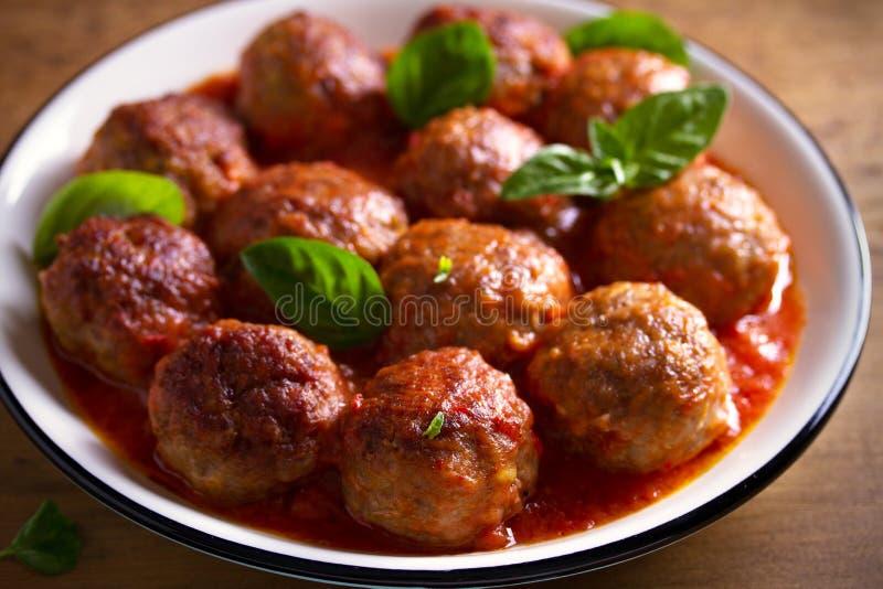 Meatballs no molho de tomate A casa fez o alimento Conceito para uma refei??o saboroso e saud?vel foto de stock royalty free