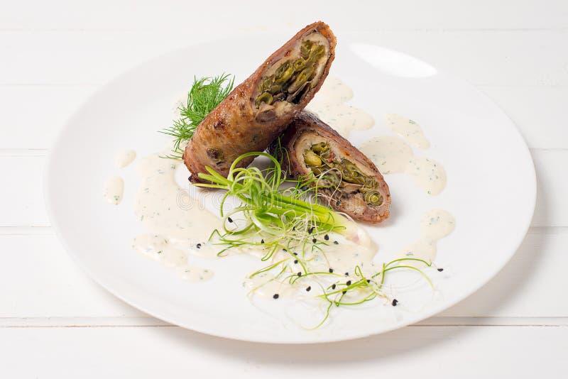 Meatloaf σε ένα πιάτο στοκ φωτογραφίες
