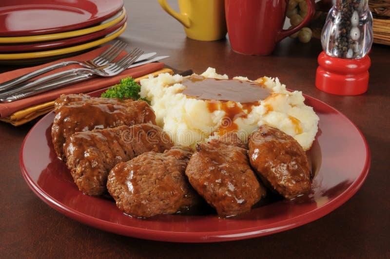 Meatloaf с картофельными пюре и подливкой стоковые фотографии rf