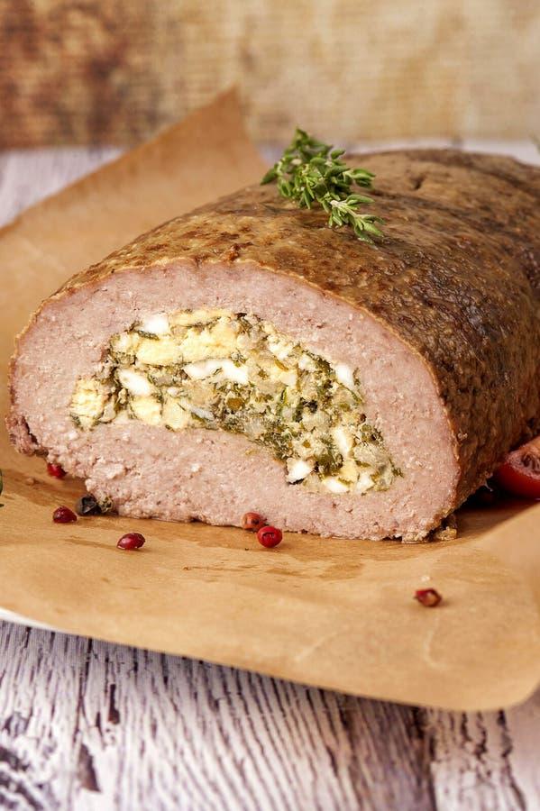 Meatloaf enchido com ovos fotografia de stock royalty free