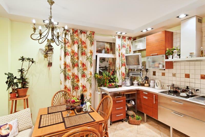 meblarski wewnętrzny kuchenny drewniany zdjęcie stock