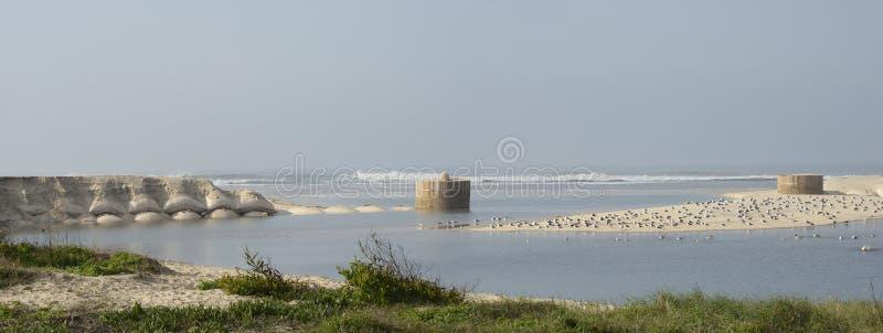 Meble na plaży Esmoriz w Portugalii zdjęcie royalty free