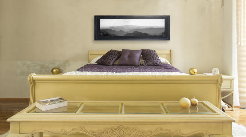 Meblująca sypialnia obraz royalty free