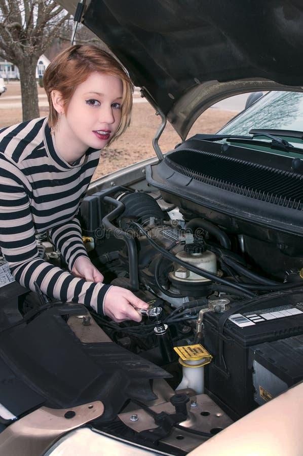 Mecánico de automóviles de la mujer fotografía de archivo libre de regalías