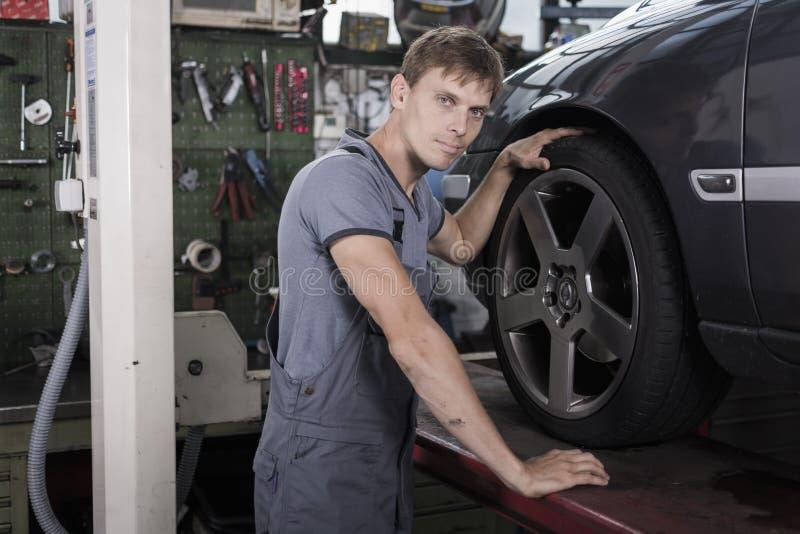 Mecânico de carro foto de stock royalty free