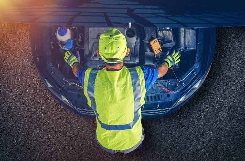 Mecânico de carro Servicing Vehicle fotos de stock royalty free