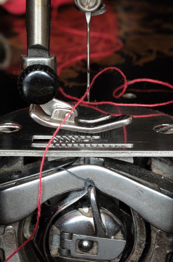 Mecanismo de la máquina de coser fotos de archivo