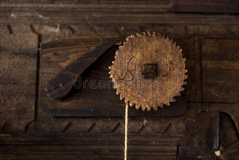 Mecanismo de madera de un molino de agua fotos de archivo libres de regalías