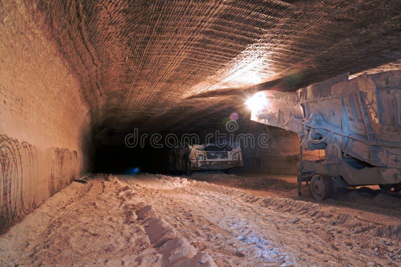 Mecanismo impulsor de la mina subterránea foto de archivo libre de regalías