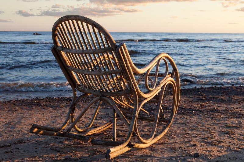 Download Mecedora imagen de archivo. Imagen de silla, arena, pacífico - 64212207