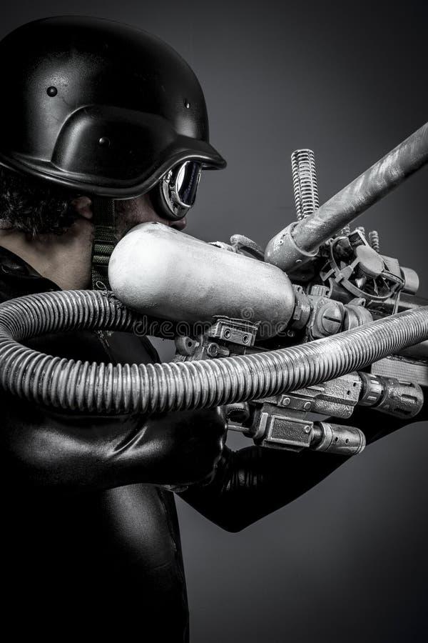 Mech.Starfighter med det enorma plasmageväret, fantasibegrepp, milita royaltyfria bilder