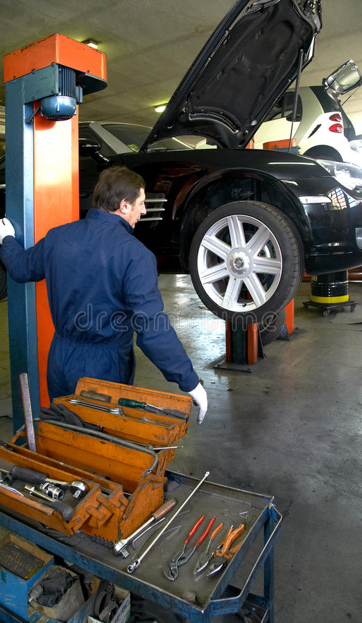 Download Mechanic stock photo. Image of garage, mechanic, vehicle - 23126078