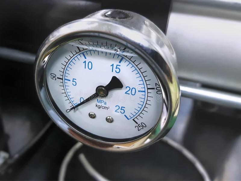 Pressure Gauge of High Pressure Hydraulic System royalty free stock photos