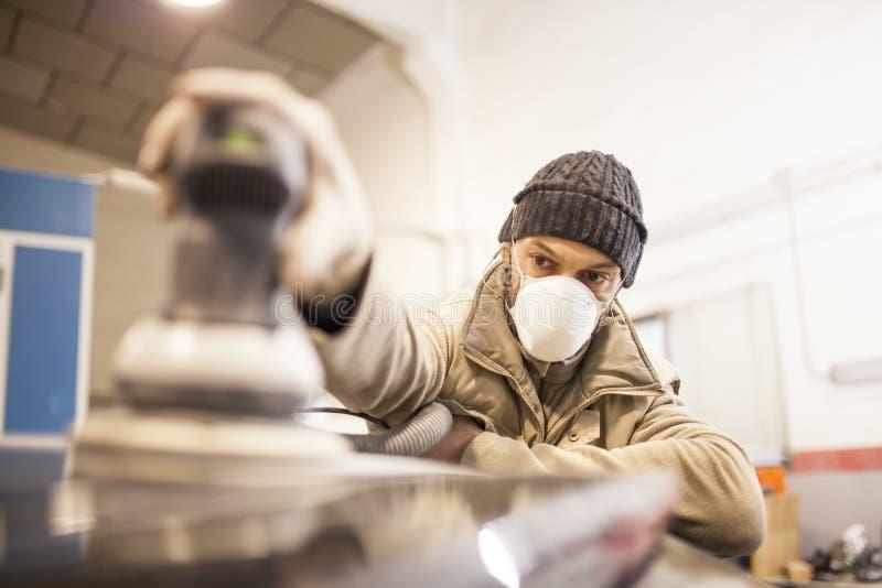 Mechanicworks w warsztacie zdjęcie royalty free