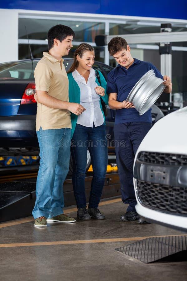 Mechanik Pokazuje aliaż para zdjęcie stock
