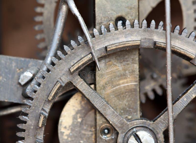 Mechanische Details einer alten Borduhr stockfotos
