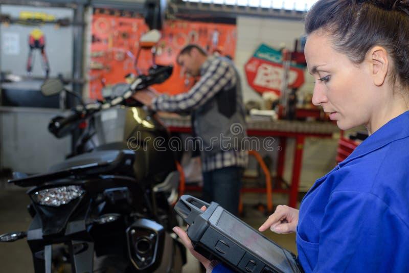 Mechanische het bevestigen motocycle motor stock foto