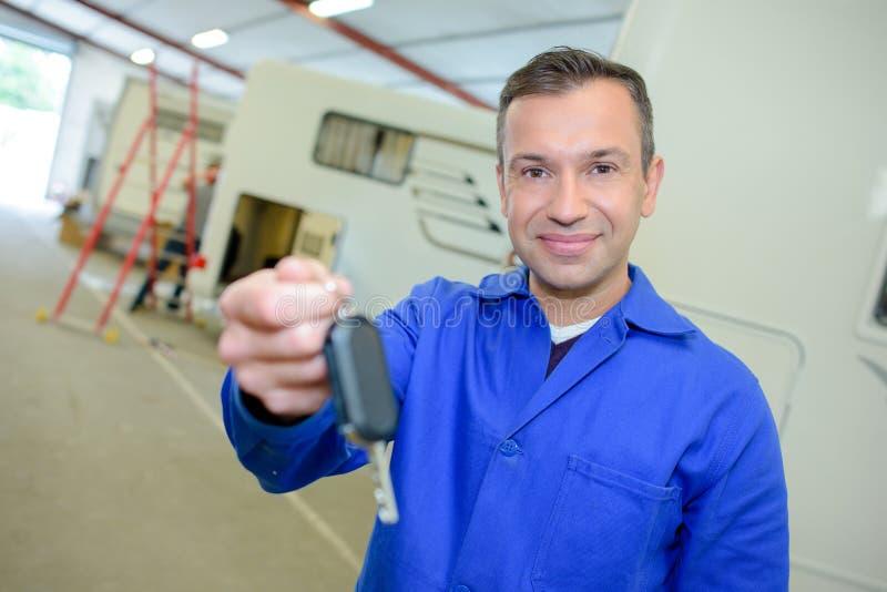 Mechanischer Arbeitsschlüssel für Camper-van lizenzfreies stockbild