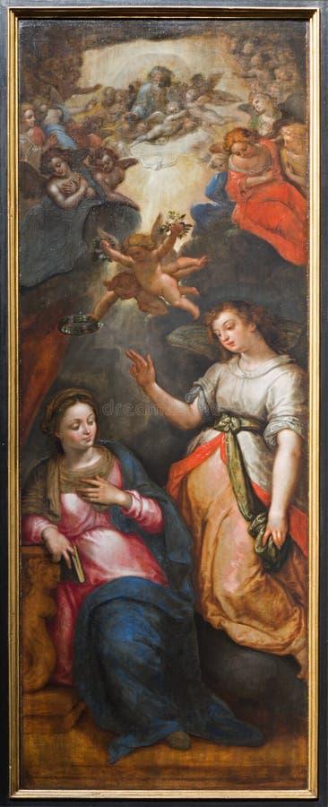 Mechelen - аннунциация - воскресение триптиха Христоса J. Snellinckx (1544 до 1588) в соборе St. Rumbold стоковое фото rf
