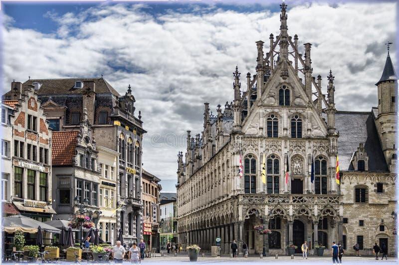 Mechelen Belgien Den stora marknadsfyrkanten fotografering för bildbyråer