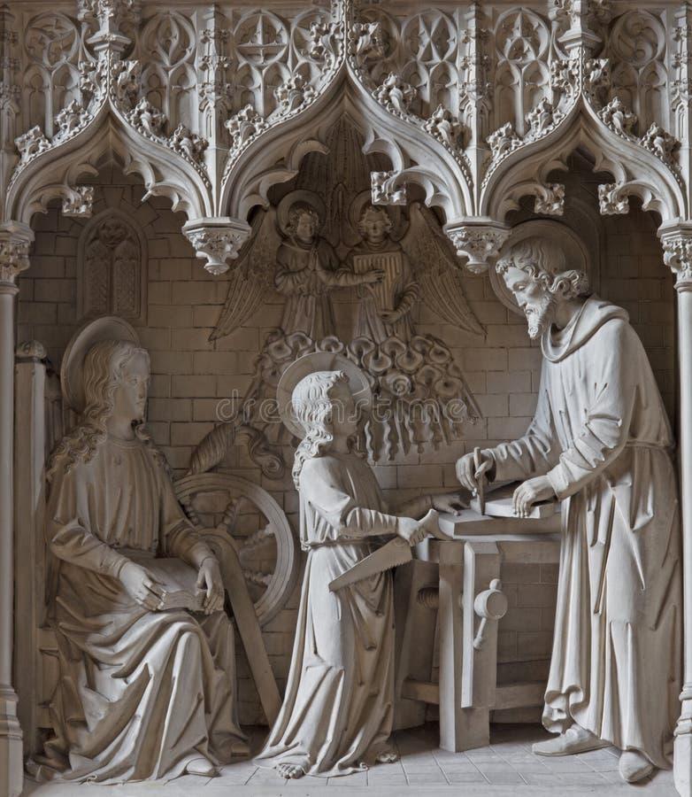Mechelen - de neogotic plastische groep Heilige familie in de werkruimtest Katharine kerk of Katharinakerk royalty-vrije stock fotografie