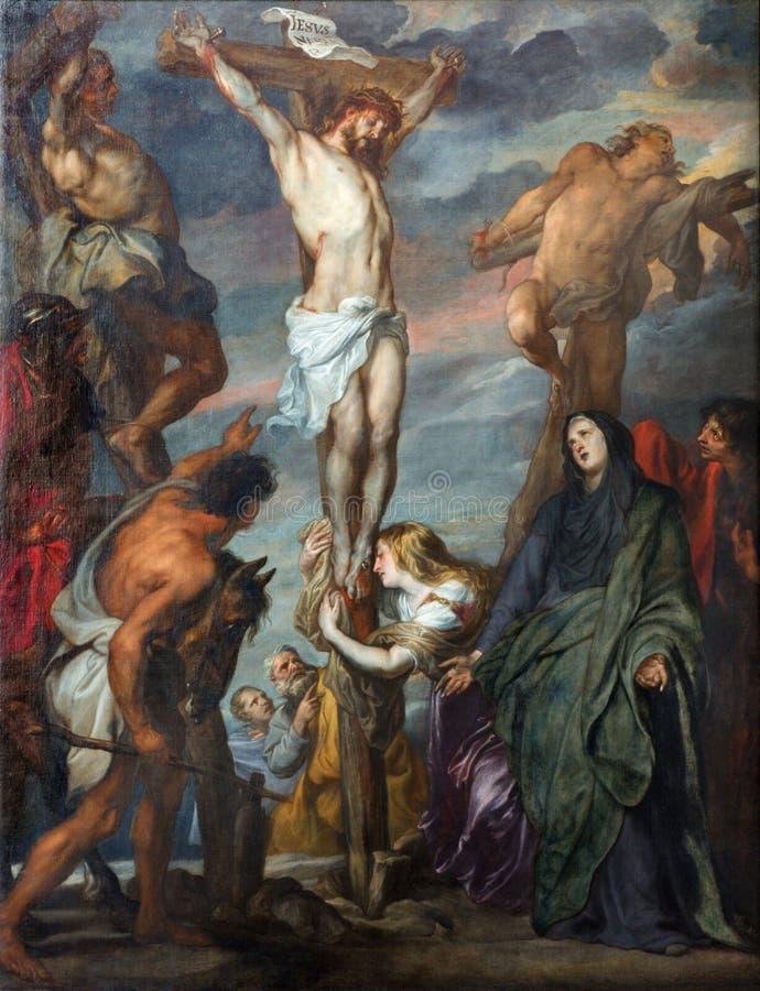 Mechelen - målarfärg av korsfästelseplatsen i domkyrka för St. Rumbolds av den härliga barocka målaren Anton van Dyck. arkivfoton