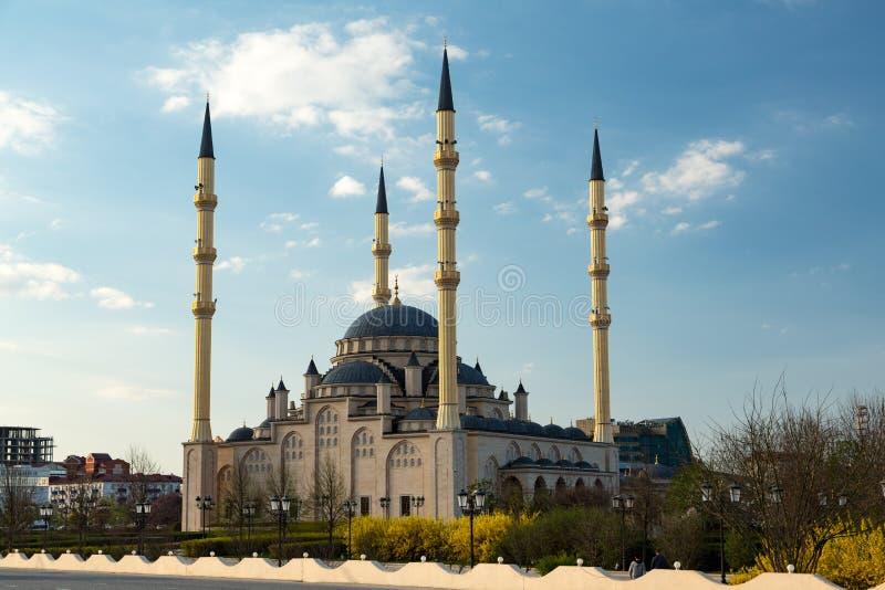 Meczet, centrala park w Grozny mieście zdjęcia stock