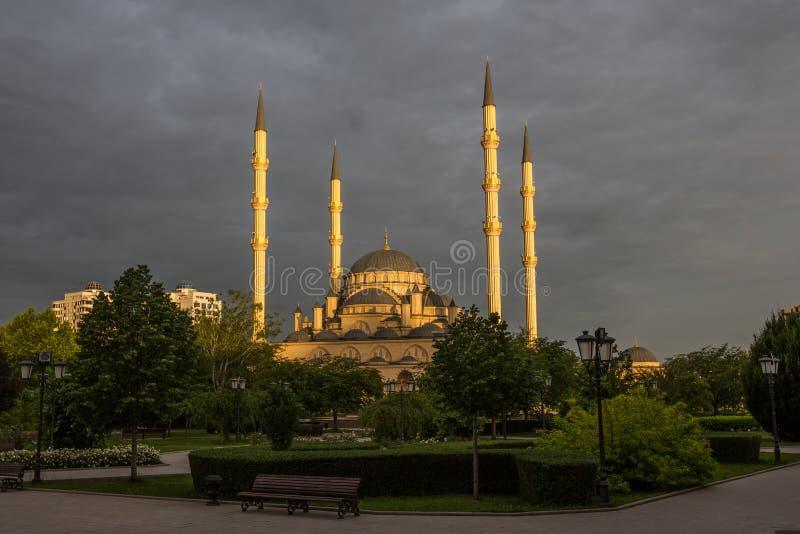 Meczetowy ` serce Czeczenia ` przy świtem obrazy royalty free