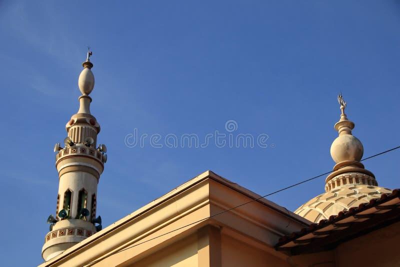 Meczetowy wierza który przypomina nabawi meczet zdjęcie stock