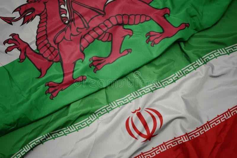 med färglös flagga för iransk och nationell flagga av promenader royaltyfri bild