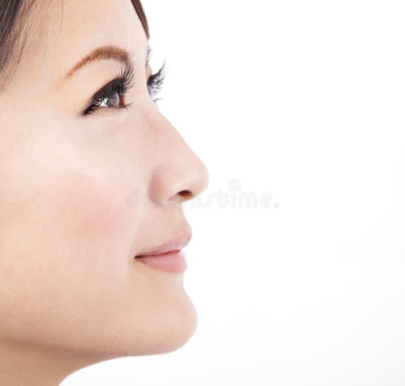 med textsidan upp kvinna för asiatisk skönhetclose arkivbild
