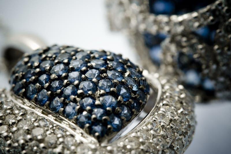 Medaglia blu del gioiello del topaz. fotografia stock libera da diritti