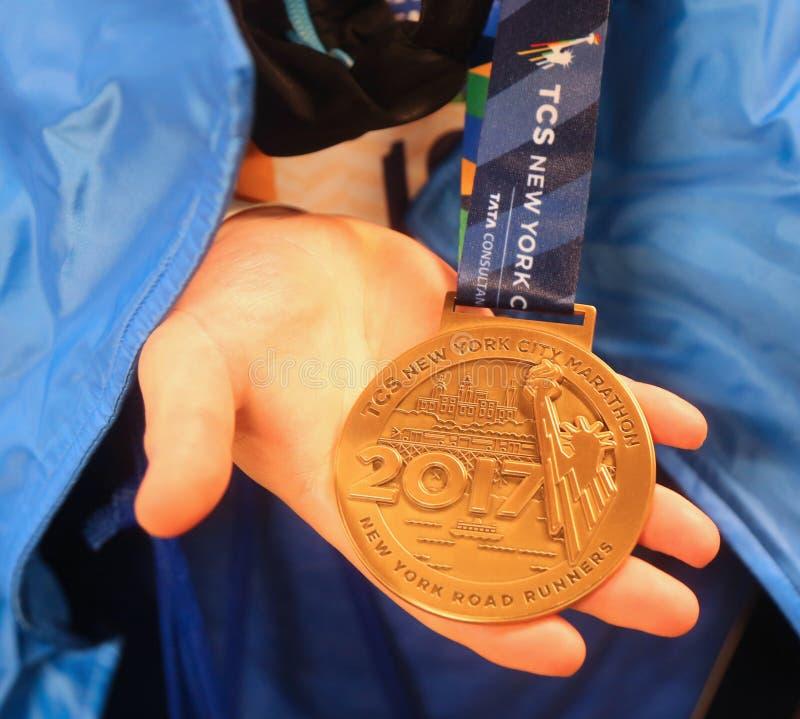 Medaglia maratona 2017 della stazione di finitura di New York in Manhattan immagini stock libere da diritti