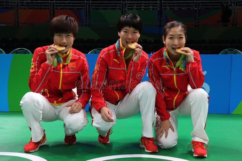 Medalha de ouro da equipe do ` s China das mulheres nos Jogos Olímpicos 2016 fotos de stock