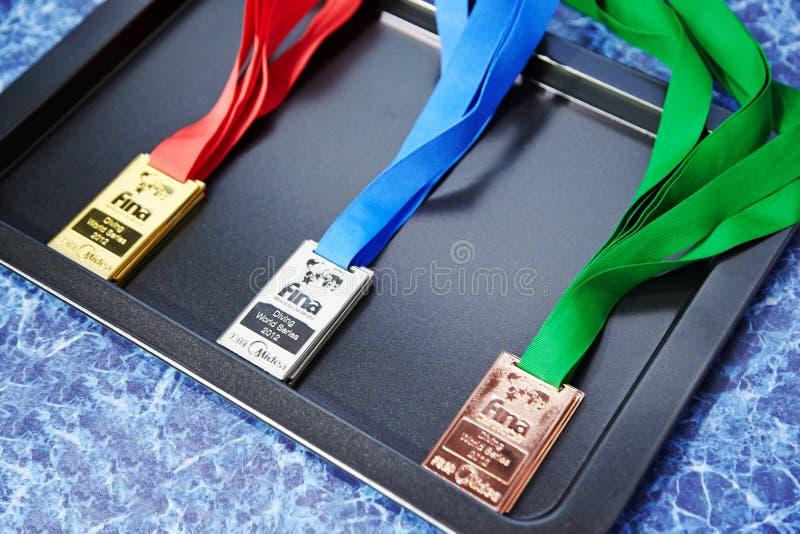 Medalhas douradas, de prata e de bronze fotos de stock