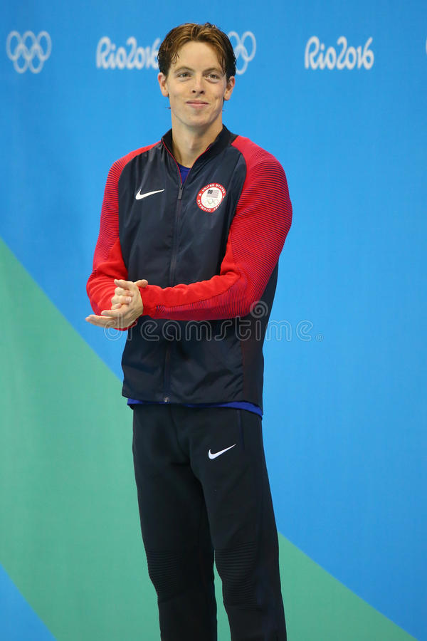 Medalhista de prata Connor Jaeger do Estados Unidos durante a apresentação da medalha no ` s dos homens um estilo livre de 1500 m imagens de stock royalty free