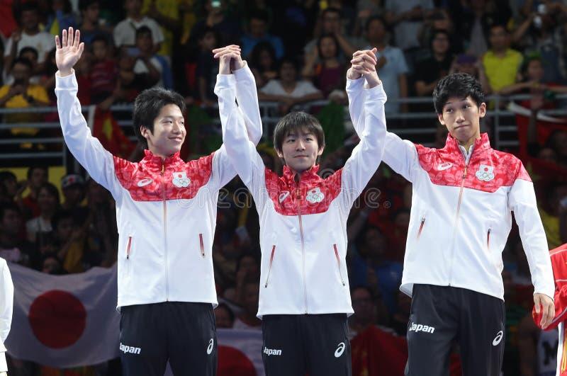 Medalhista de prata da equipe do ` s Japão dos homens nos Jogos Olímpicos 2016 imagem de stock