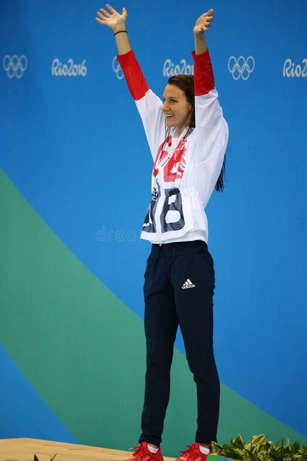 Medalhista de prata Jazmin Carlin de Grâ Bretanha durante a cerimônia da medalha após a competição do estilo livre dos 800m das m fotografia de stock