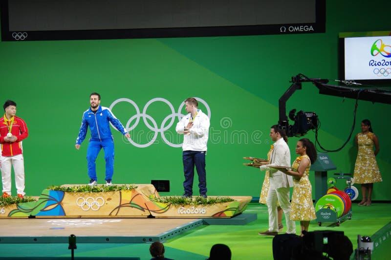 Medaljceremoni av att lyfta för vikt 85kg på Rio2016 royaltyfri fotografi