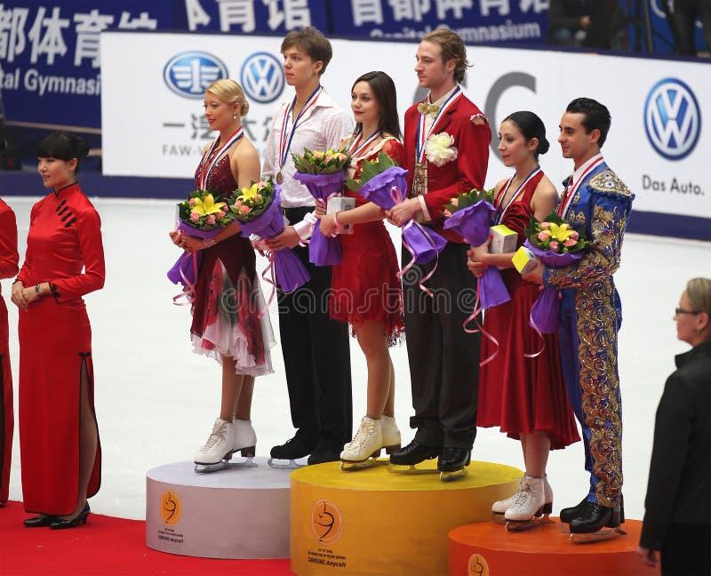 Medallist da competição da dança de gelo foto de stock