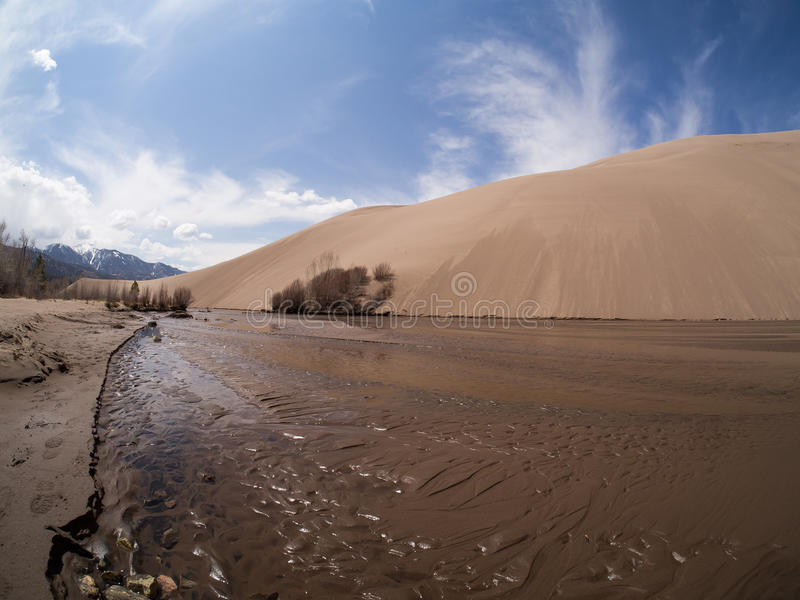 Medano zatoczka przy Wielkim piasek diun parkiem narodowym obraz stock