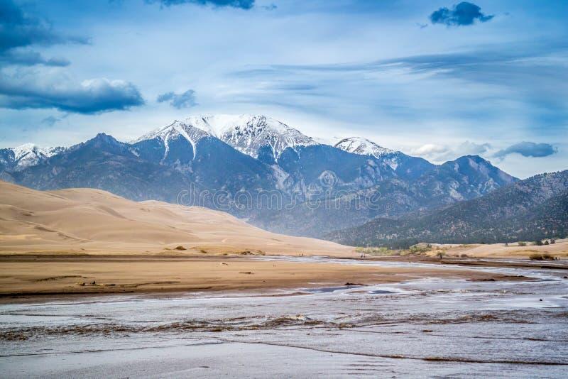 Medano zatoczka w Wielkim piasek diun parku narodowym i prezerwie, Kolorado zdjęcia stock