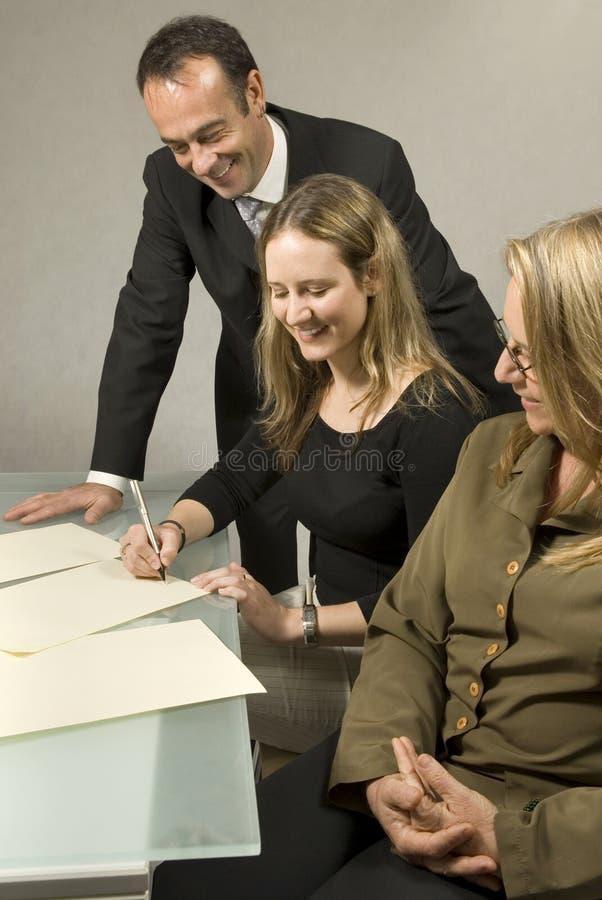 medarbetareskrivbord fotografering för bildbyråer