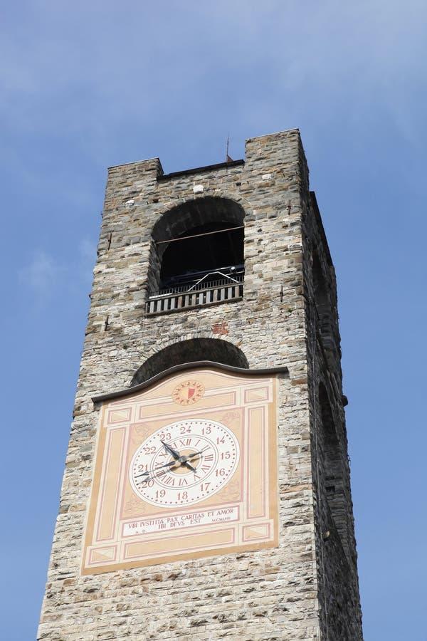 Medborgerligt torn i Bergamo arkivfoto