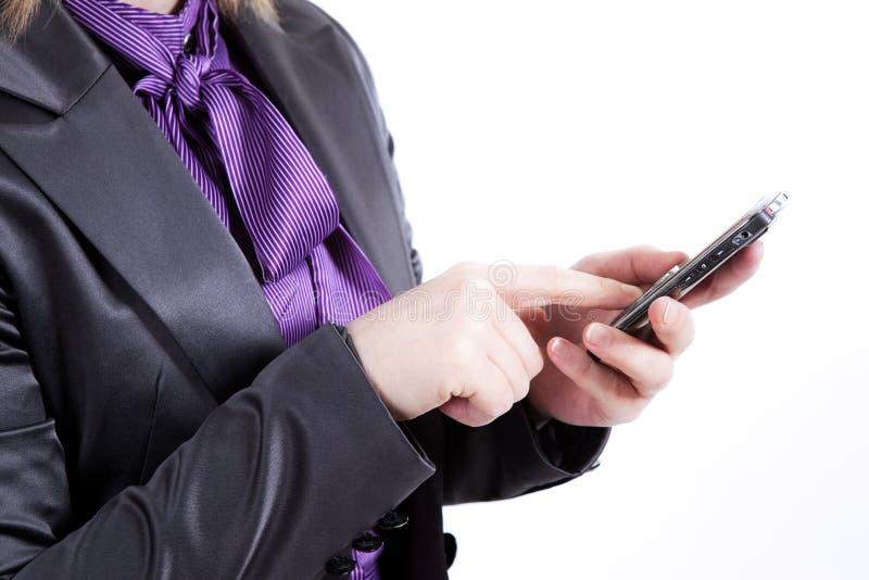 Meddelande för text för affärskvinna läs- royaltyfri bild