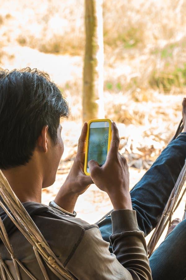 mededeling door mobiel stock afbeeldingen