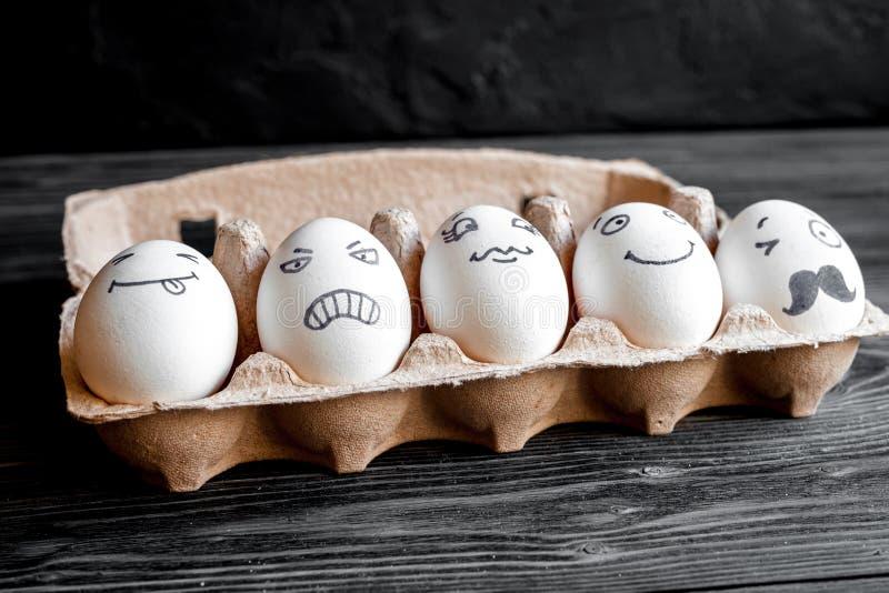 Mededeling en emoties van concepten de de sociale netwerken - eieren royalty-vrije stock fotografie