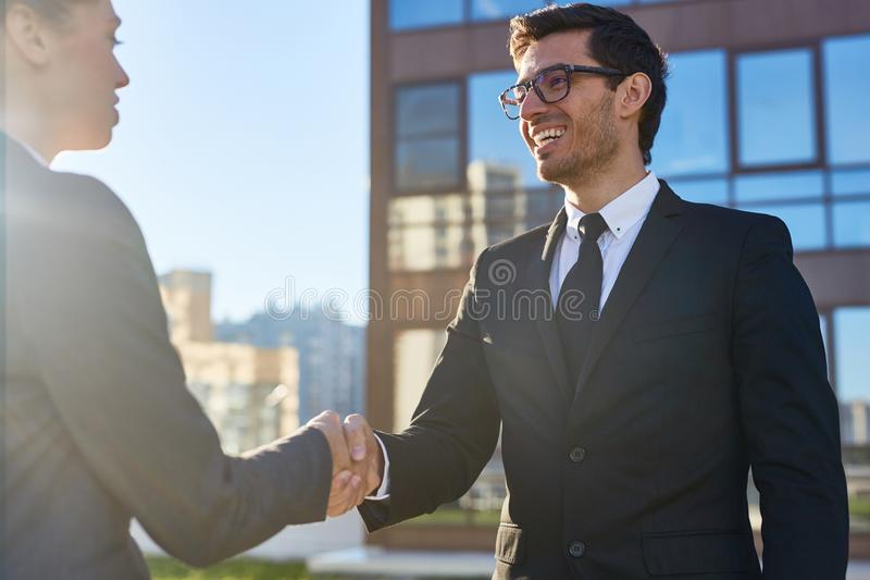 Medel och klient royaltyfri bild