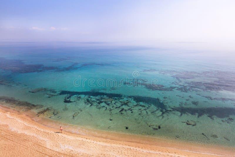 Medelhav för flyg- sikt från Cypern royaltyfria foton